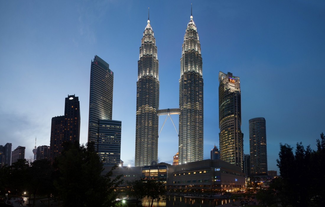 Petronas Twin Towers bei Nacht