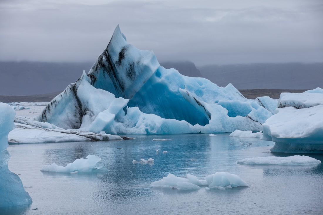 Eisberg in der Jökulsarlon Eislagune