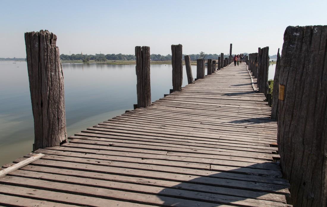 Die Planken der U-Bein Brücke sind ganz schön wacklig geworden