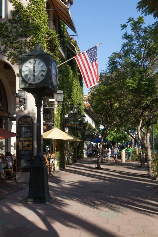 Santa Barbara gilt als eine der schönsten Städte Kaliforniens. Leider hatten wir nur Zeit für einen kurzen Bummel und ein Abendessen.