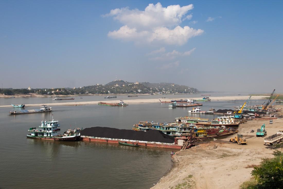 Blick von der Yadanabon Ayeyerwady Brücke