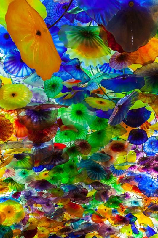 Glaskunst von Dale Chihuly an der Decke des Bellagio Kasino