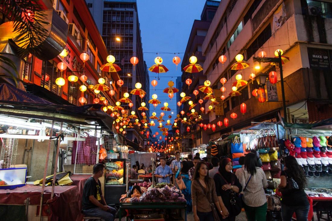Nachtamrkt rund um die Pentaling Street in Chinatown