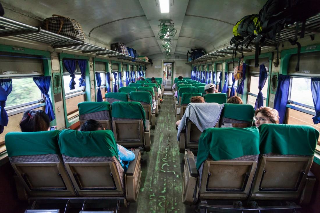 Upper Class Wagen zwischen Yangon und Thazi